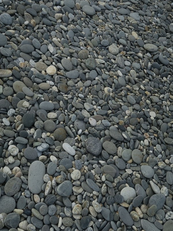 好多圓石頭好可愛