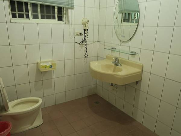 六人房浴室