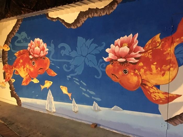 牆上的壁畫好可愛