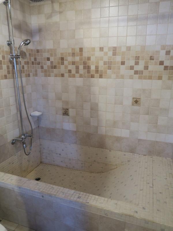 洗澡要在浴缸裡洗
