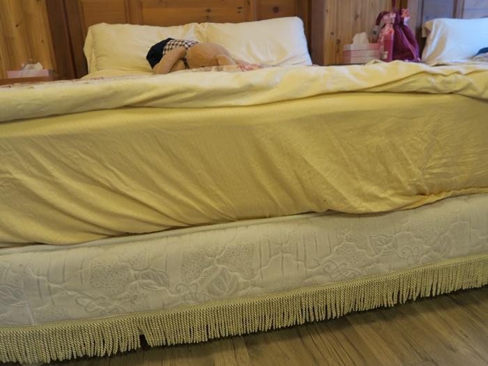這床還挺有厚度的