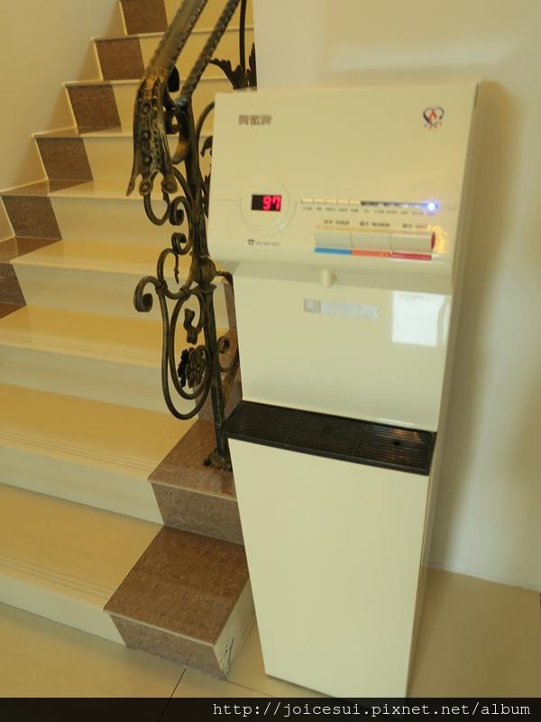 二樓小客廳的飲水機