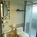 浴室的形狀滿特別