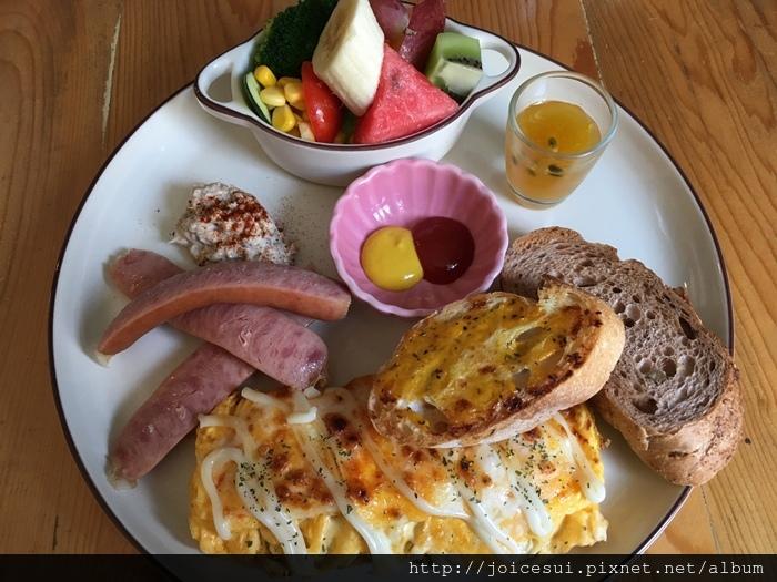 鄉村早午餐 200元