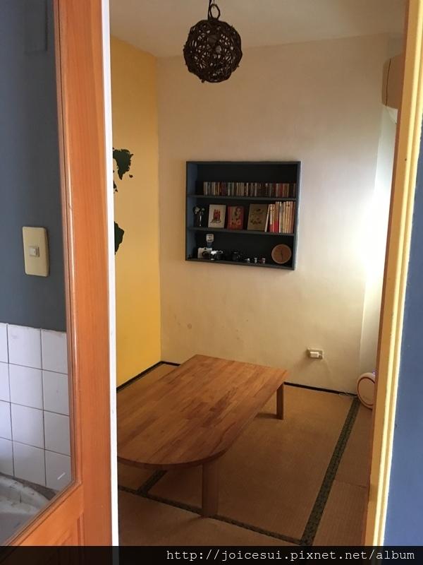 這邊有一間小和室