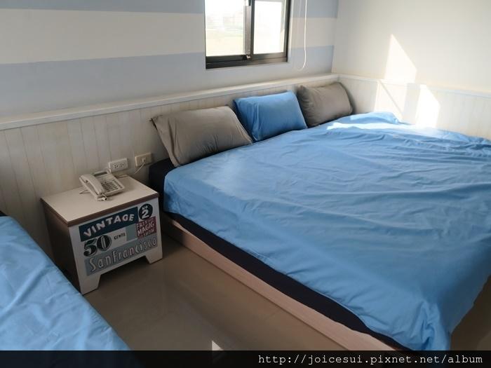 這張床可睡3個人
