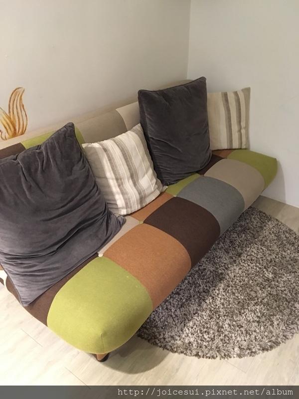 沙發床已恢復原樣