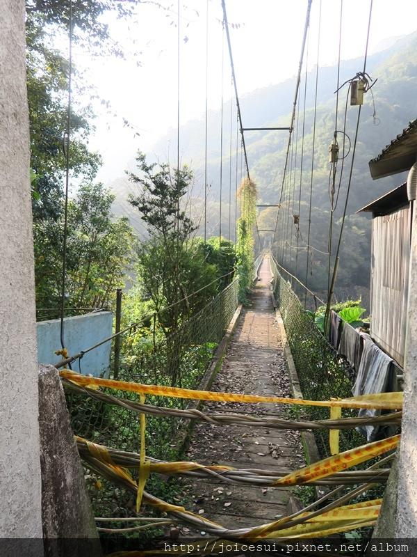 繞去一號吊橋的入口,現已禁止出入