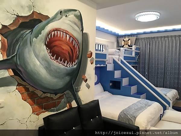 哇好酷的房間~