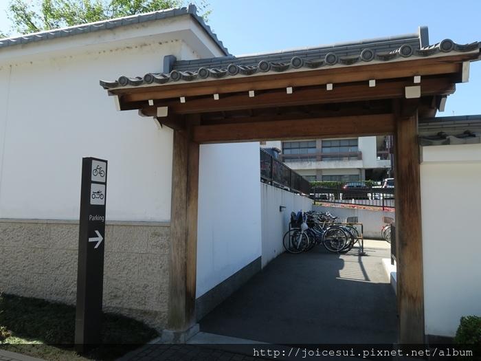 腳踏車停車場