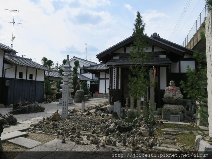 路上特別的寺廟?