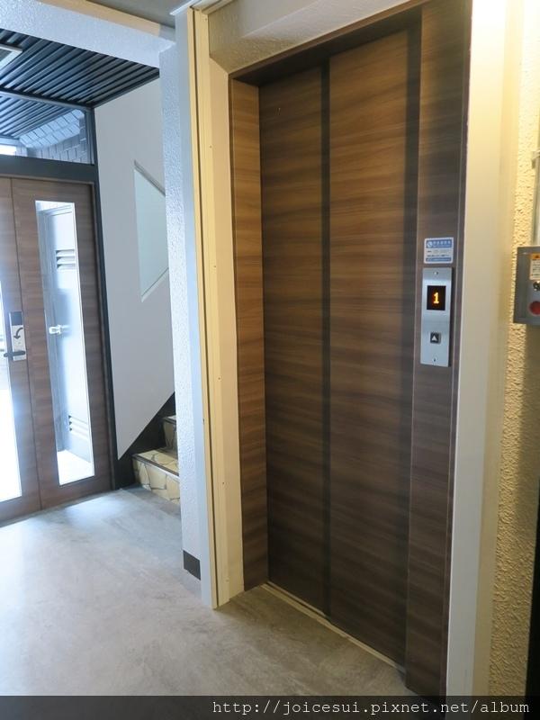 電梯和樓梯