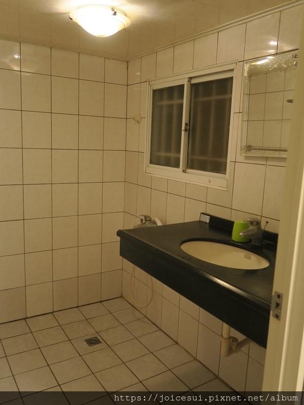 洗手台%26;沐浴區