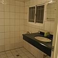 洗手台&沐浴區
