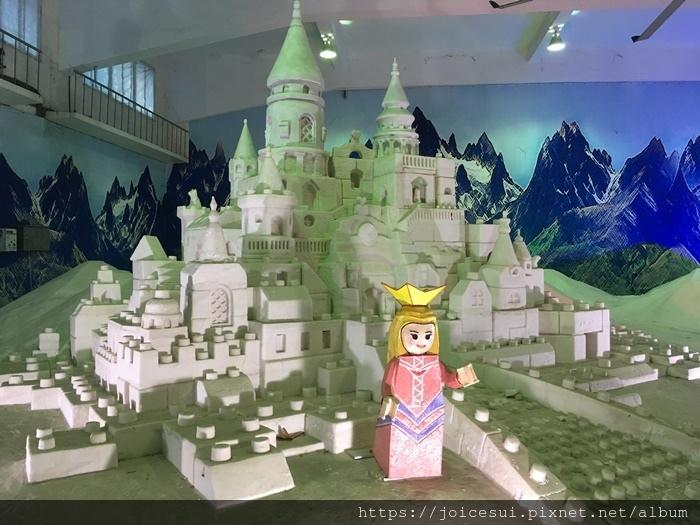 哇是城堡耶!!