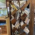 很有特色的書櫃