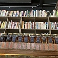 書籍可在店內借閱