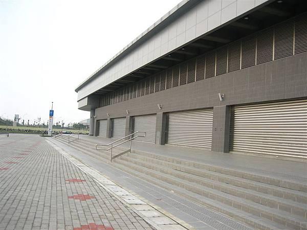 高捷大寮站--一樓店面部份