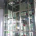 稍微裝飾的電梯
