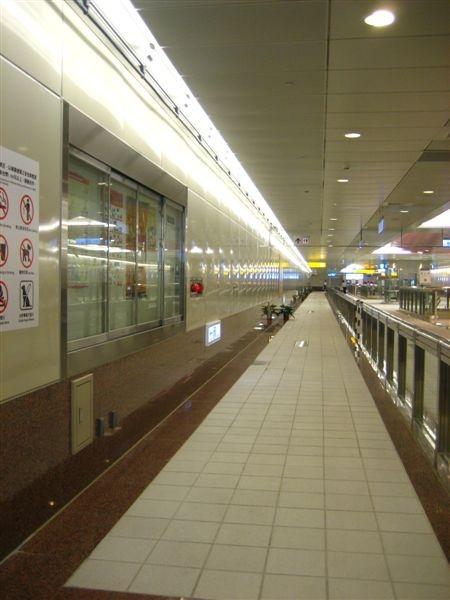 鳳山西站連通道
