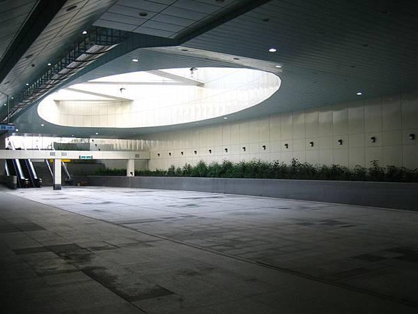 技擊館站裝置藝術的天井