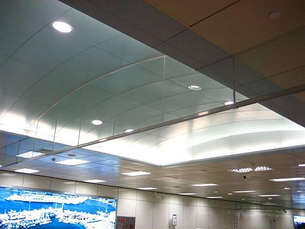 淡藍色天花板