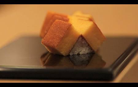 Tamagoyaki Nigiri.jpg