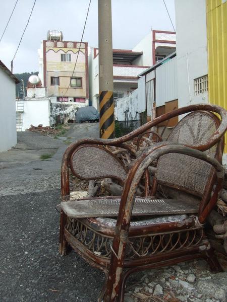 破舊椅子+洗衣板