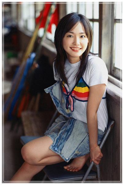 aragaki_yui_01_03_EwfdHLqxnz1o.jpg