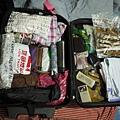 出發前的行李  (重11.7KG )....夭壽唷