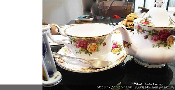 熱茶有附小漏斗,砂流完茶就可以喝囉!!