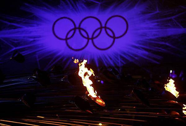 2012-08-12T231653Z_1497590810_TB3E88C1SNZTT_RTRMADP_3_OLY-CLOSING-CEREMONY-ACT5-DAY16