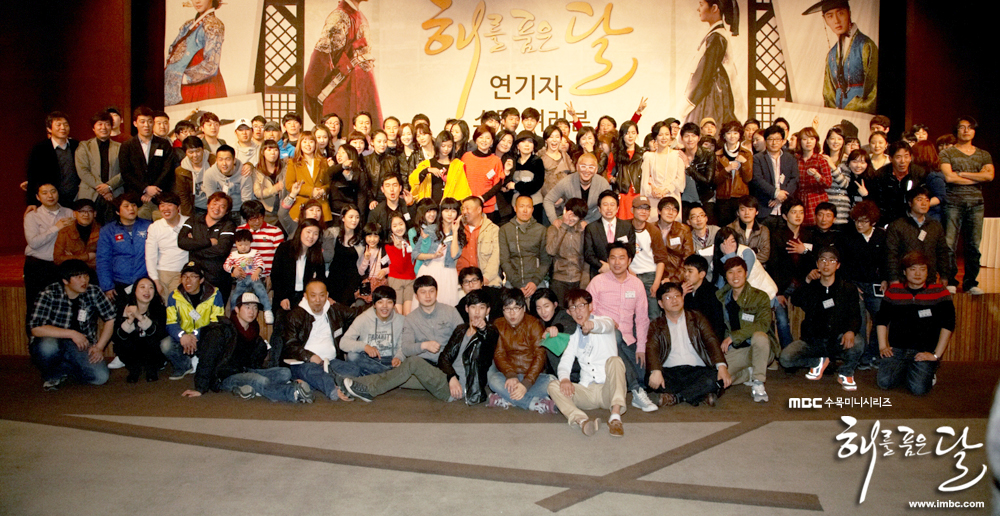 《擁抱太陽的月亮》劇組慶功宴-24