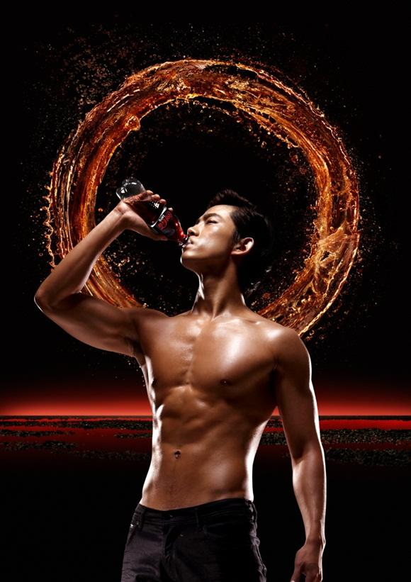 2PM澤演代言可口可樂-1