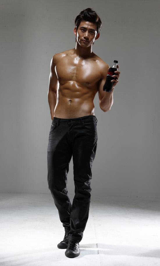 2PM澤演代言可口可樂-3