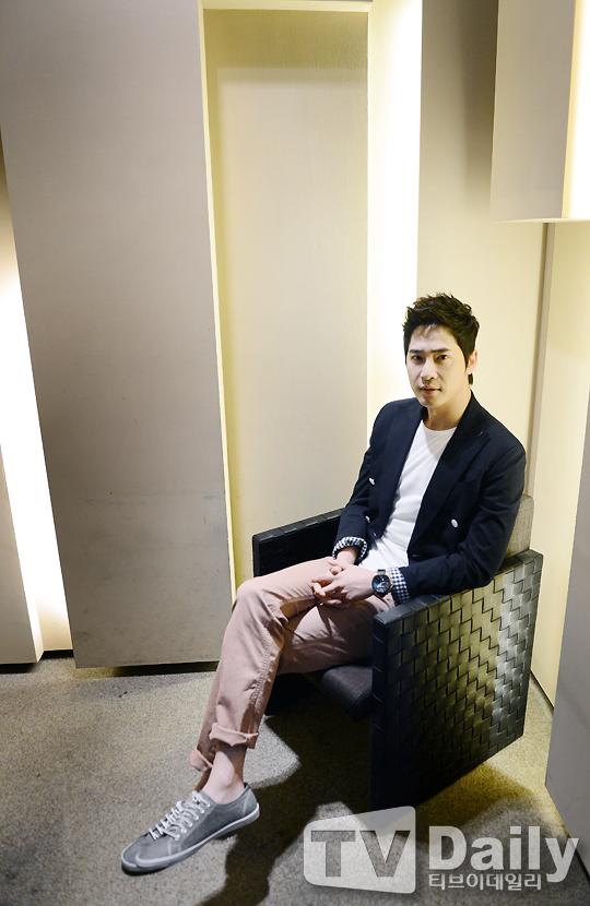 姜至奐_新聞採訪照_201304