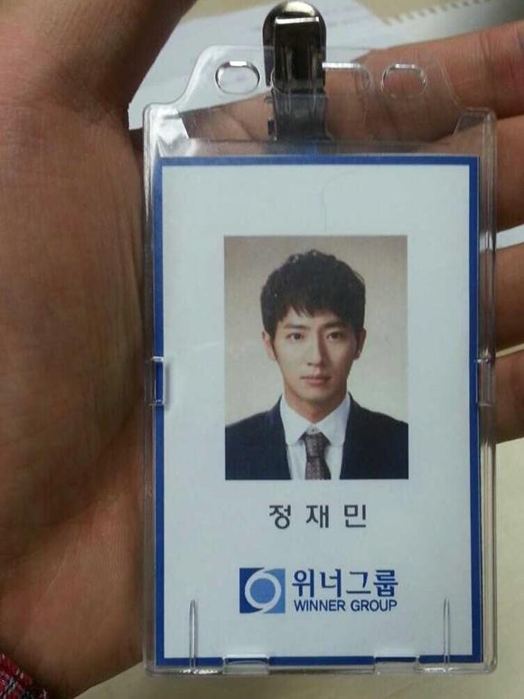李相燁,工作證公開..「雕塑外貌-鮮明的五官」證件照 引人矚目