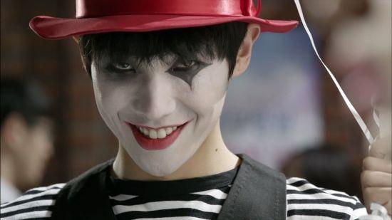 《岬童夷》李準化小丑妝露陰森笑容_1
