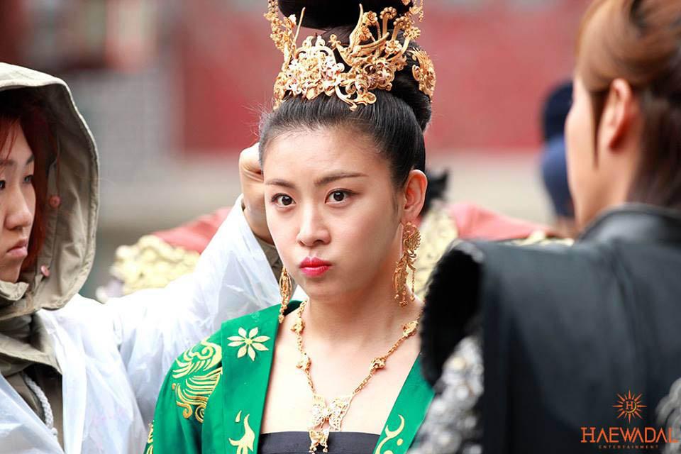 《奇皇后》河智苑公開片場照 「可愛貴妃」 _1