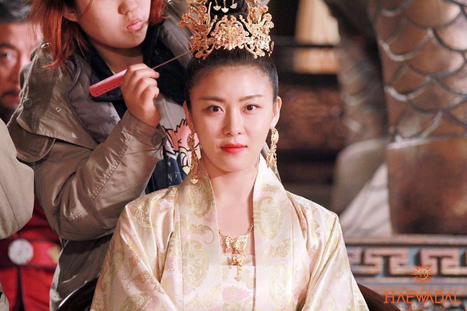 《奇皇后》河智苑公開片場照 「可愛貴妃」 _7