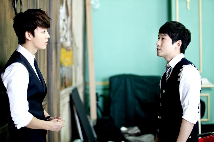 《神的測驗4》曝片場照 柳德煥現場指導Super Junior東海 _1