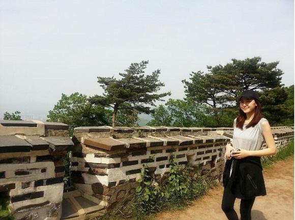 孔賢珠公開登山照片 健康生活備受矚目
