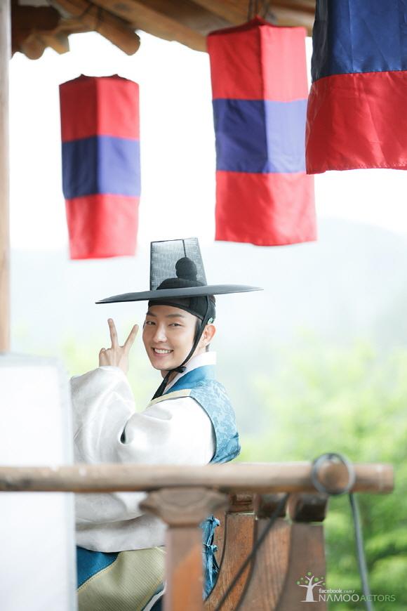「朝鮮搶手」李准基,吸引女心的爽朗微笑「公開」