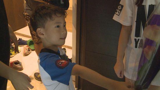 韓版《爸爸去哪》安利煥邀女友做客顯羞澀_2
