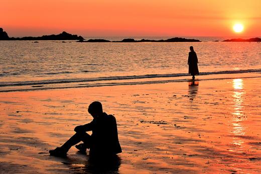 《湔雪的魔女》韓智慧在日落的海邊拍首場戲 _3