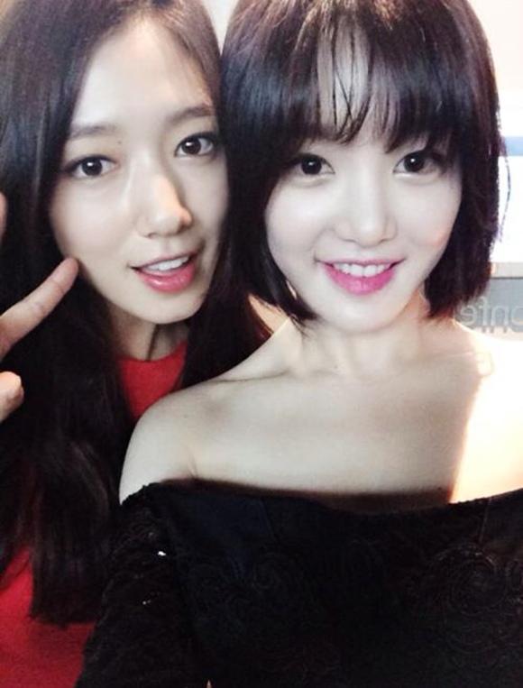 李侑菲-朴信惠 兩位女演員親密合照公開 「花樣女子」