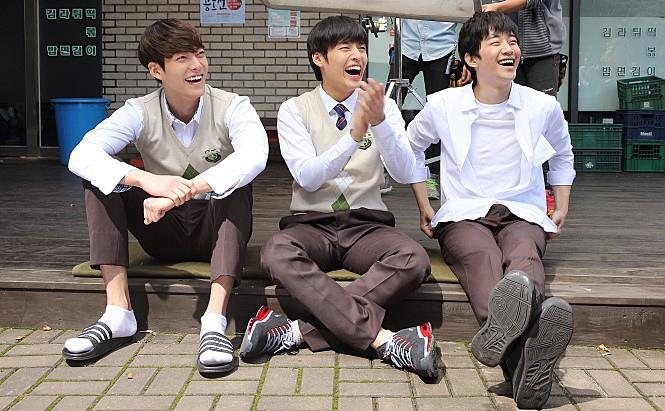 《二十歲》金宇彬、姜河那、2PM俊昊回歸高中生 _2