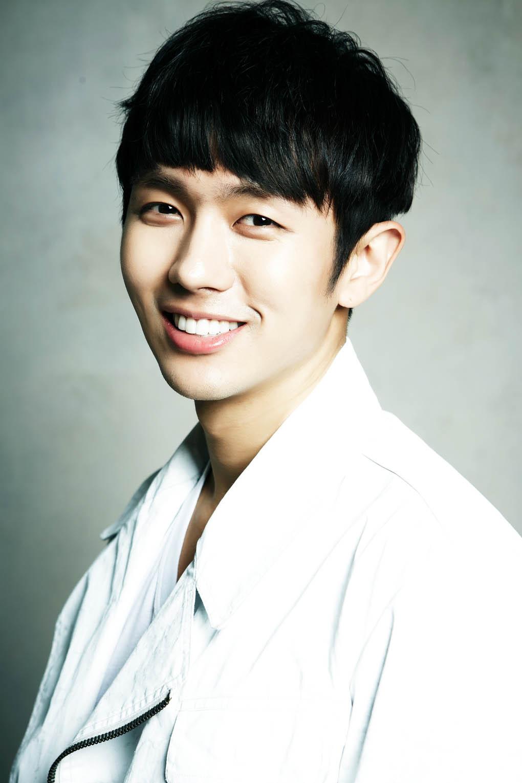 2AM任瑟雍確定加盟新劇《浩九的愛》 飾演完美律師