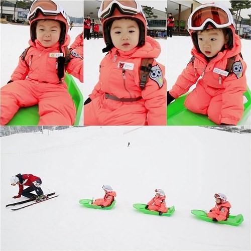 宋一國攜三胞胎滑雪 萌娃玩嗨老爸累趴
