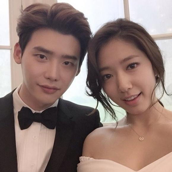 李鐘碩,和朴信惠堪比戀人的默契認證照公開 「我很久沒這麼真摯了」
